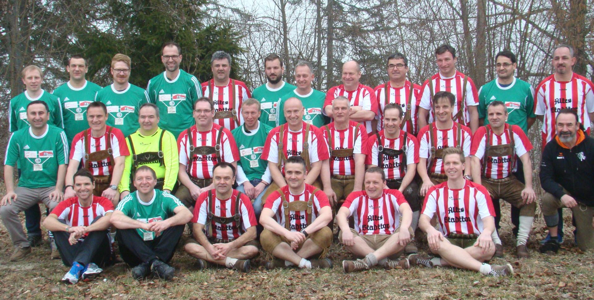 Mannschaftsbild der AH vom VfL Mühlheim mit Fridingen